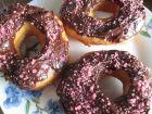 recetas, paso 2, donuts de chocolate con purpurina rosa
