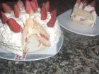 receta y postre: Tarta de nata y fresones al toque de vainilla
