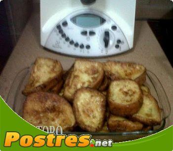 preparación de Postre de Torrijas con miel de romero