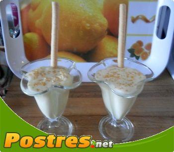 preparación de Postre de Mousse de limón