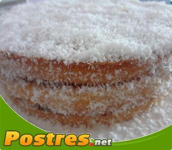 preparación de Postre de Tarta de coco y crema