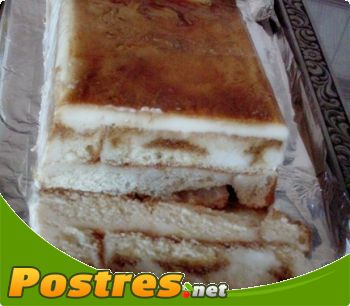 preparación de receta Tarta de sobaos y cuajada