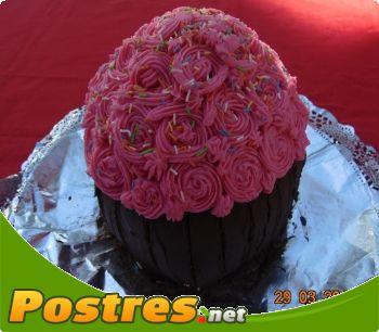 preparación de Postre de Tarta flores y chocolate