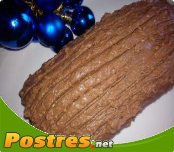preparación de Postre de Tronco de Navidad con chocolate Milka