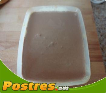 preparación de Postre de Helado de chocolate y crocanti