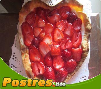 preparación de Postre de Tarta de queso con fresas para San Valentín