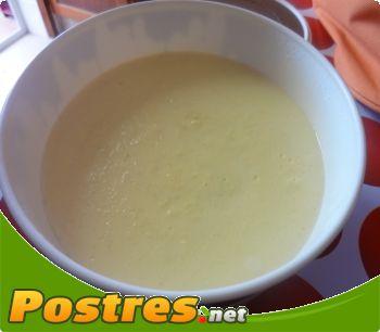 preparación de Postre de Natillas de coco