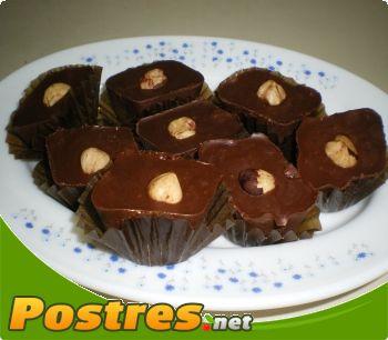 preparación de Postre de Bombones de chocolate y almendra