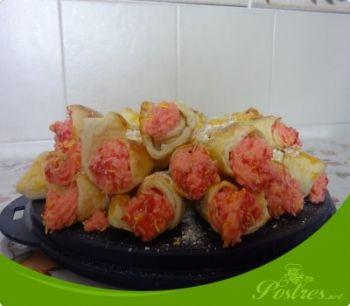 preparación de Postre de Caracolas rellenas de crema de fresas en thermomix