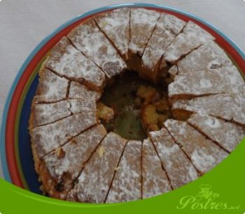 preparación de Postre de Bizcocho con perlitas de chocolate