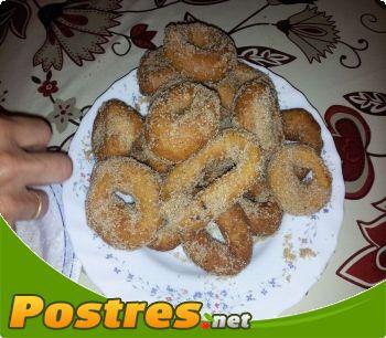 preparación de Postre de Rosquitos fritos con aroma a cítricos