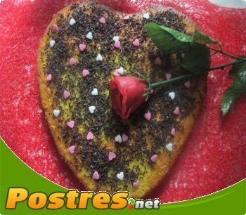 preparación de Postre de Bizcochito de corazón con  chocolate