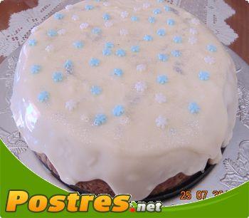 preparación de Postre de Bizcocho con cobertura de chocolate blanco