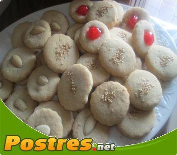 preparación de receta Tortas de manteca y vainilla