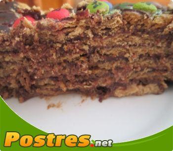 preparación de Postre de Clásica tarta de galleta con chocolate