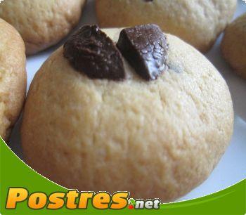 preparación de Postre de Cookies con tropezón de chocolate