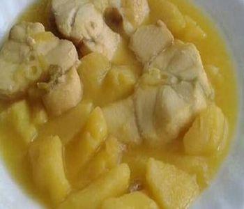 preparación de Receta de Guiso de Patatas con Cazón