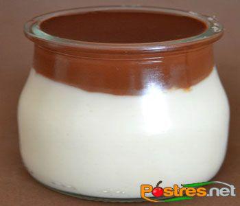 preparación de Postre de Natillas de coco y chocolate