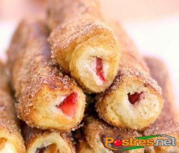 preparación de Postre de Rollitos de Nutella y Fresas