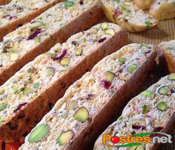 preparación de Postre de Biscottes de Pistachos y Arándanos