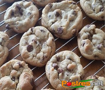 http://www.postres.net/pics//pickkk  galletas de chocolate estilo chips ahoy