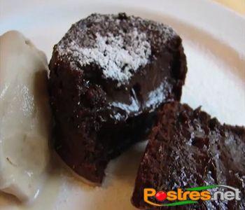 preparación de Postre de Pastel Lava de Chocolate