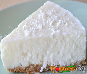 preparación de Postre de Tarta de Yogur y Coco