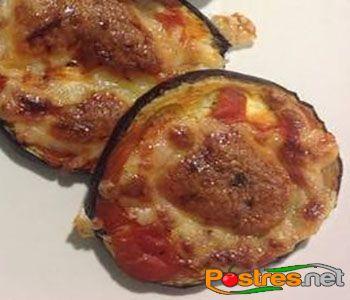 preparación de Pizzas de Berenjena light