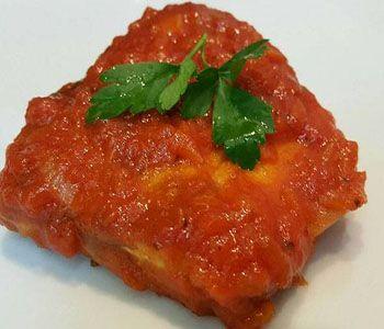 preparación de Receta de Atún en Tomate
